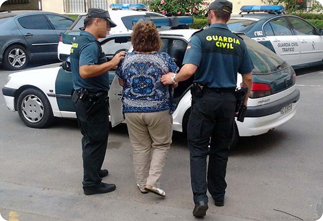 Detienen a una mujer en La Unión que drogaba a mayores para robarles