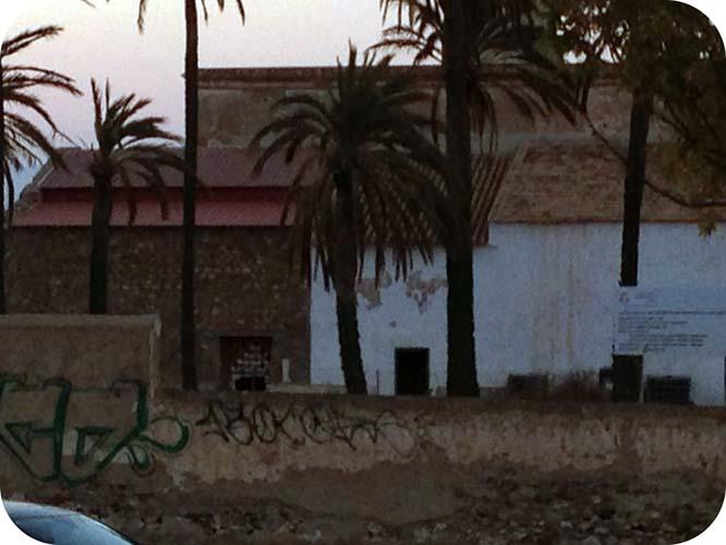 Intrusos rompen un muro y se cuelan en el monasterio de San Ginés de la Jara